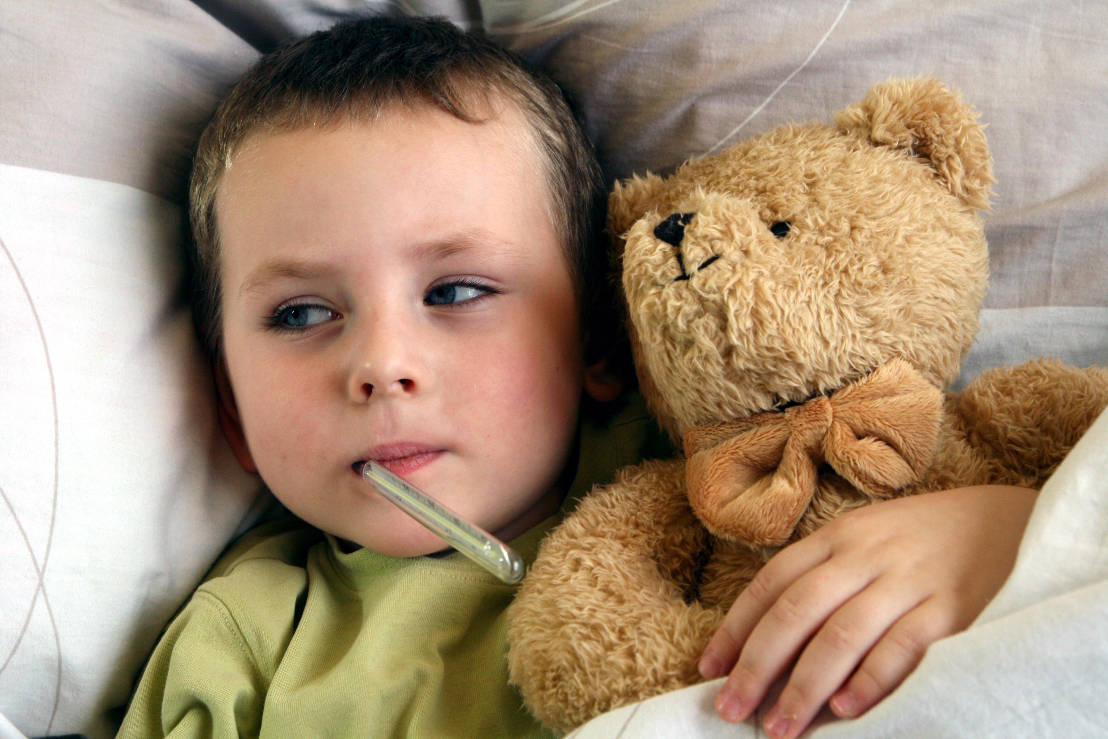 Febra, temperatura și alte afecțiuni pot afecta programul de somn