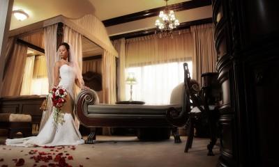 Patul conjugal sau o cameră de hotel...ce mai contează, pasiunea se aprinde
