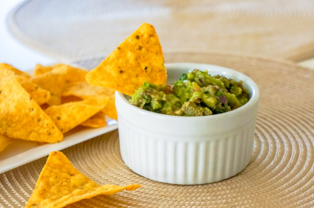 Guacamole with Tortilla Chips , Totopos